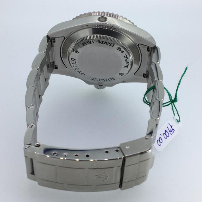 Rolex Submariner Seadweller, acciaio, automatico con data, anno 2006, con scatola e garanzia originale Rolex, più un anno di garanzia del negozio, diametro 40 mm, subacqueo fino a 1220 metri. Come nuovo.